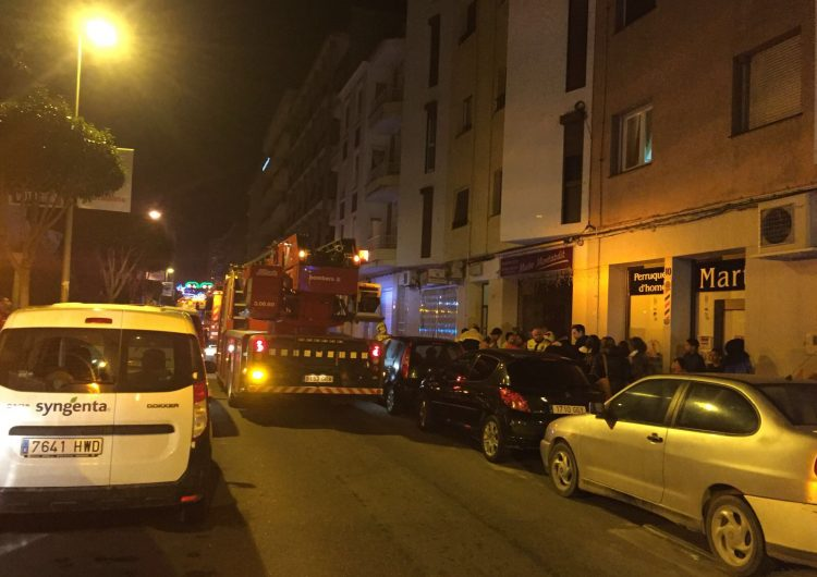 Es crema un pis al carrer Pare Sanahuja de Balaguer