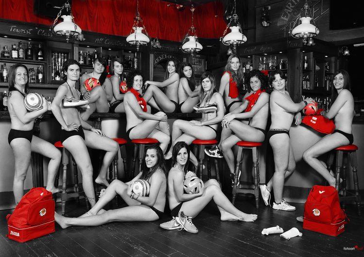 Les noies del Futbol Sala Balaguer es despullen en el calendari 2014