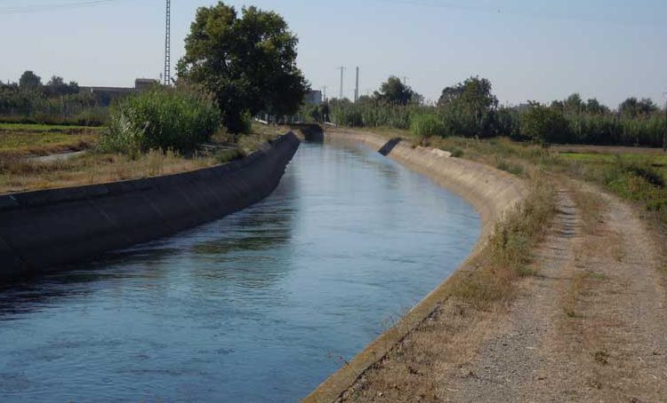Un home de 39 anys mor en caure al canal de Balaguer