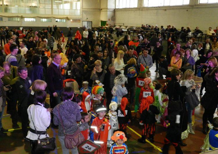 150 nens i nenes participen al Carnaval infantil d'Artesa de Segre