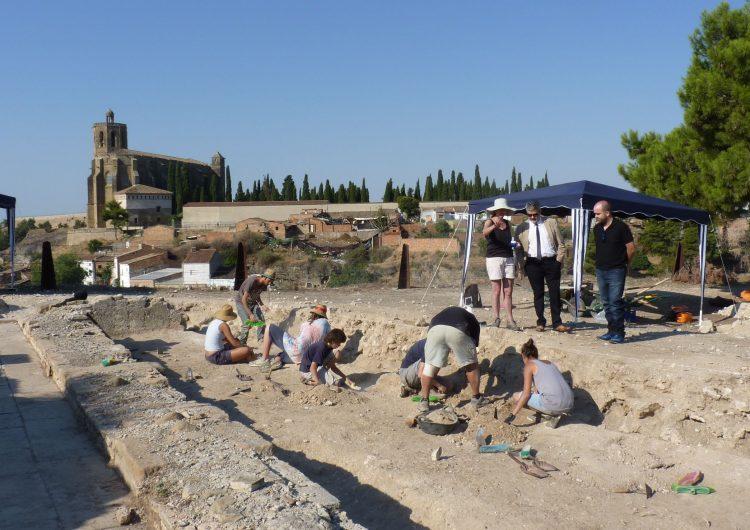 El taller d'arqueologia Cota Zero documenta restes de bronze, vidre i ferro al Castell Formós