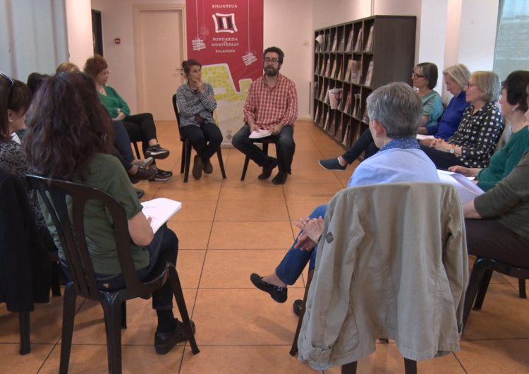 El club de lectura de teatre de la Biblioteca Margarida de Montferrat