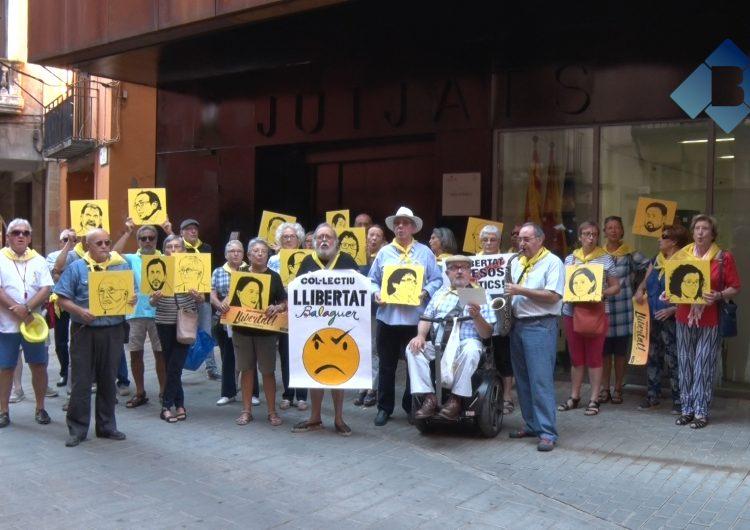 El Col·lectiu Llibertat es desplaça fins als Jutjats de Balaguer