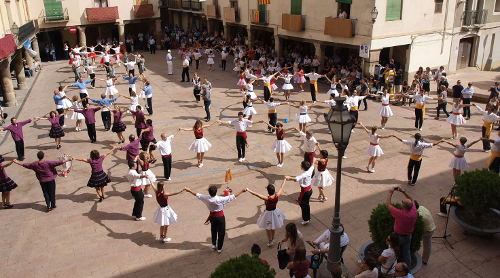 La colla sardanista Verge del Miracle de Balaguer líder en el Campionat de Sardanes
