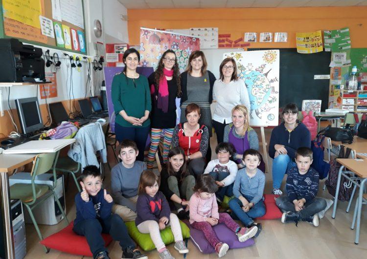 """En marxa l'activitat """"Contes del Món"""" als centres educatius de la comarca"""