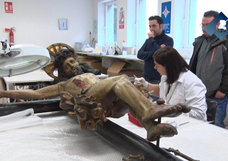 Balaguer recupera un Crist crucificat barroc que podria sortir durant la processó de Divendres Sant