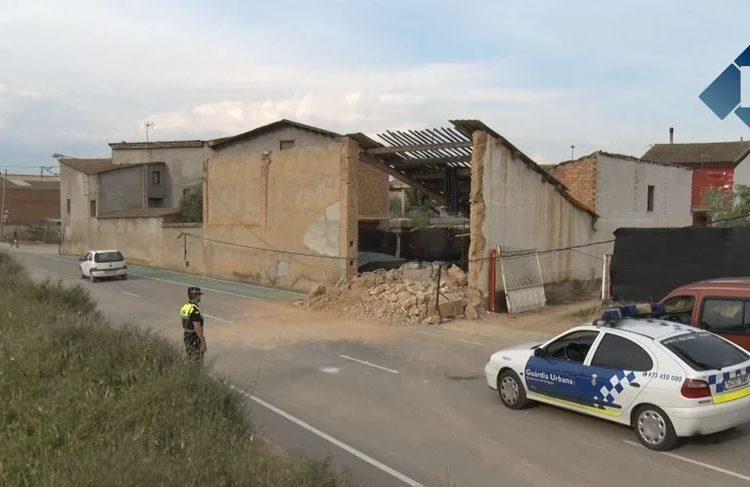 S'esfondra una paret d'una casa al carrer dels Erals de Balaguer
