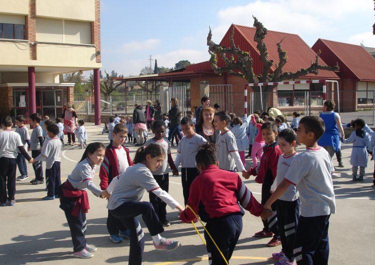 L'escola Gaspar de Portolà celebra el Dia Mundial de l'Activitat Física i l'Esport amb activitats al pati