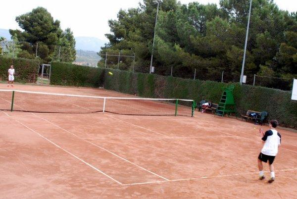 Balaguer apropa el tennis als més joves