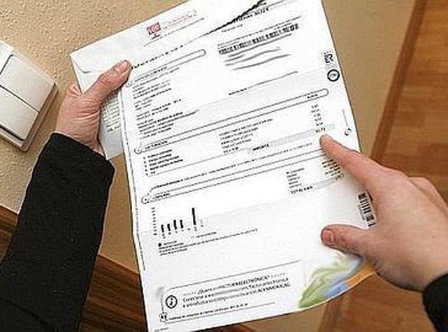 Detingut a Balaguer un comercial d'una empresa energètica per demanar un crèdit de 300 euros a nom d'una clienta