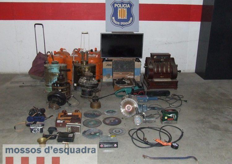 Detingut un veí de Balaguer que circulava amb una furgoneta amb objectes que podrien ser robats