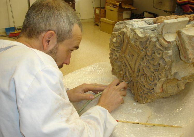 El Museu de la Noguera porta la seva col•lecció de guixeries islàmiques a Granada