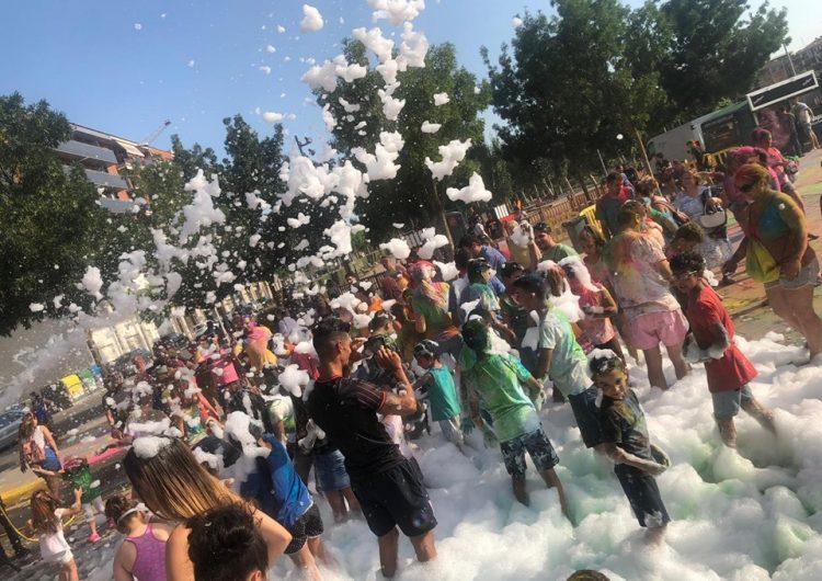 """La """"Holi Party"""" i la festa de l'escuma inicien les activitats de la revetlla de Sant Joan a Balaguer"""