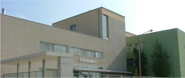 Detenen dos joves a Balaguer per agredir un professor de l'institut de Bellcaire d'Urgell