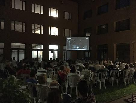 Prop d'un centenar de persones assisteixen al 'Liceu a la Fresca' a Balaguer, enguany protagonitzat per l'òpera 'Manon Lescaut' de Puccini