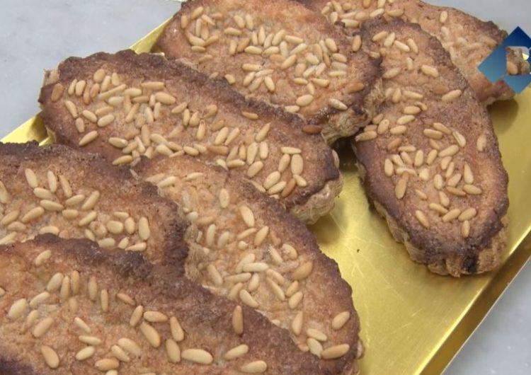 Els forns i pastisseries de Balaguer preparen la típica coca de llardons del Dijous Llarder
