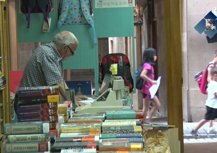 Els llibreters preparen la campanya de llibres de text amb alguns canvis