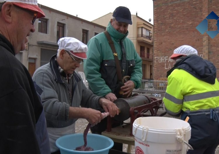 Artesa de Segre celebra la 39a Matança del Porc del dimarts de Carnaval