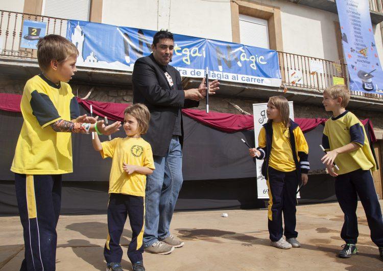 Tret de sortida a Montgai Màgic amb tallers de màgia per a 230 escolars