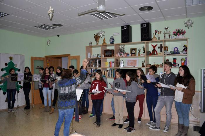 L'Escola Municipal de Música de Balaguer anima el Nadal a les residències de la Noguera