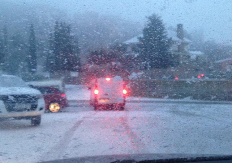 Ja són tretze les vies afectades per la neu i el gel, principalment a les comarques de Lleida