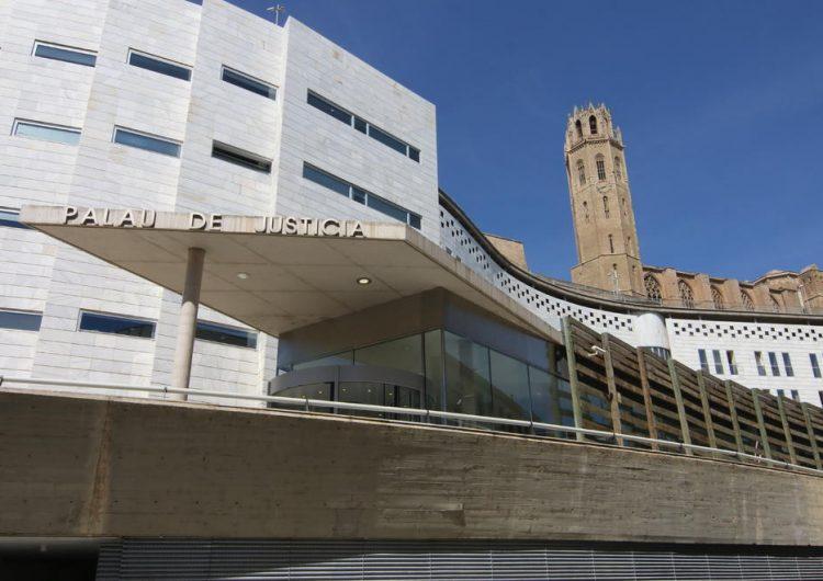 Dos joves acusats de causar danys en un bloc de pisos de Balaguer