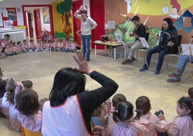 L'Escola Municipal de Música visita les llars d'infants de la ciutat