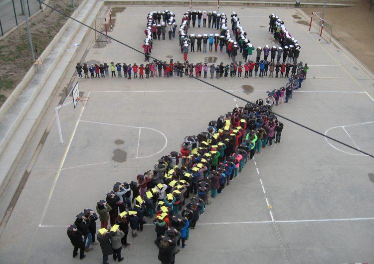 L'Escola Els Planells d'Artesa de Segre commemora el Dia Escolar de la No-violència i la Pau