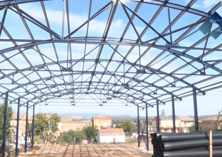 Fase final de les obres del pavelló multifuncional de Montgai