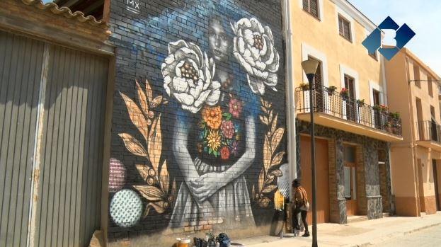 Penelles es converteix en tot un punt d'atracció turística a la comarca pels seus murals del Festival Gargar