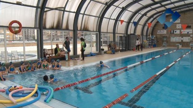 L'activitat de la piscina coberta torna a la normalitat després de la forta tempesta