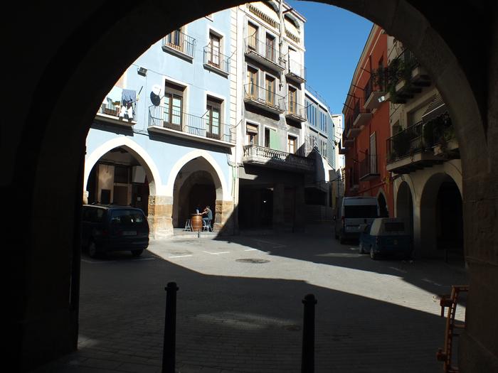 El Mercat de la Terra estrena ubicació a la plaça del Pou