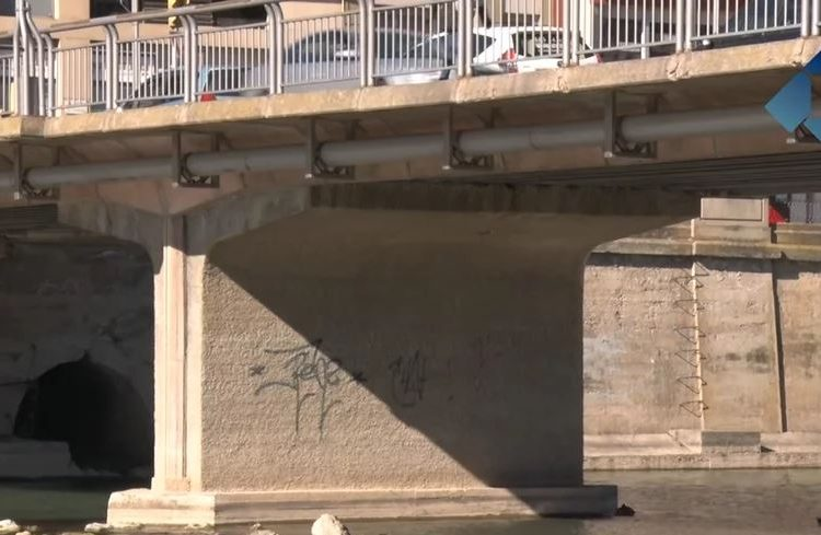 Les baixes temperatures retarden les obres de sanejament del Pont Nou de Balaguer