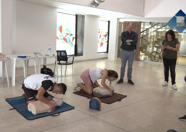 L'Ajuntament de Balaguer forma en primers auxilis els treballadors que tindran cura d'infants durant l'estiu