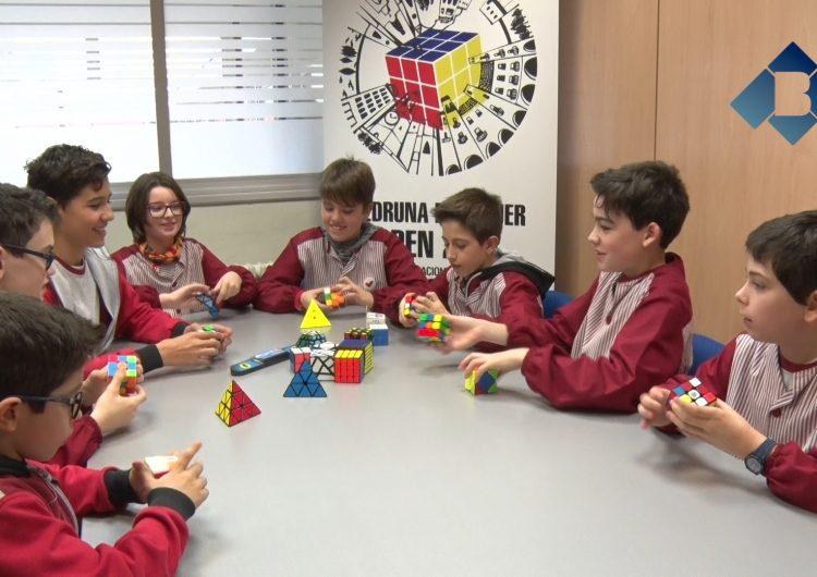 Tot a punt pel 1r Torneig Internacional de Cub de Rubik a l'Escola Vedruna de Balaguer