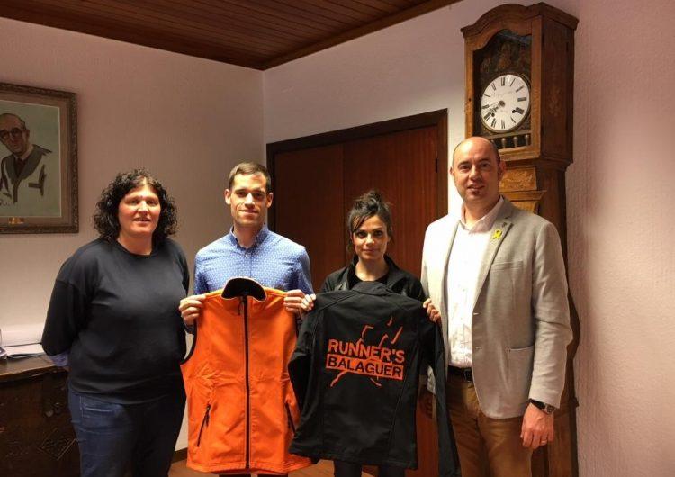 L'Ajuntament de Balaguer fa un reconeixement als corredors balaguerins Sergi Nunes i Natàlia Bernat