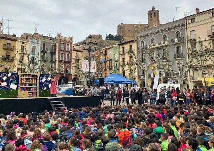 Comencen les activitats culturals de Sant Jordi amb un espectacle infantil a la plaça Mercadal