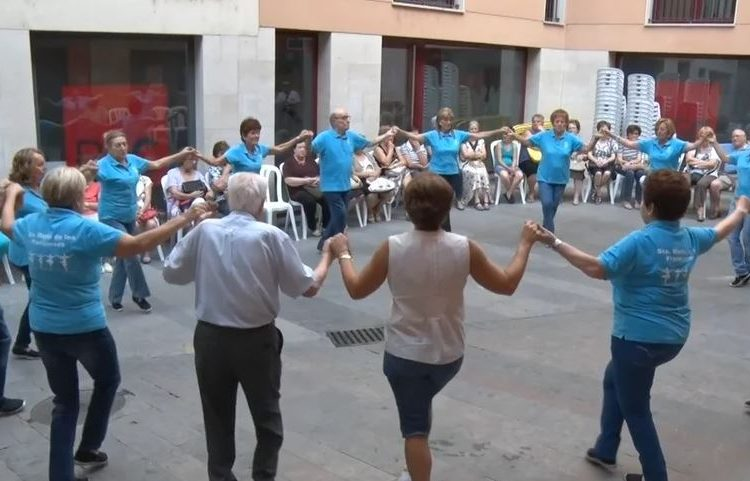 Balaguer celebra Sant Jaume amb una ballada de sardanes i una missa