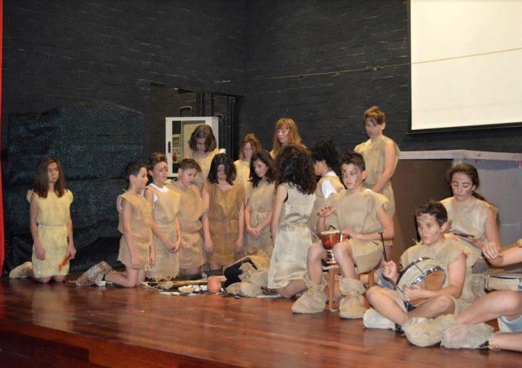 L'Escola Els Planells d'Artesa de Segre fa difusió del Túmul de Seró a través del teatre