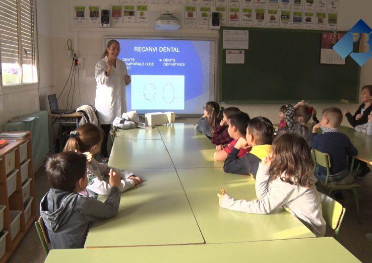 """La Clínica Dental Balaguer imparteix el taller """"Cuidem el somriure"""" als alumnes de l'escola La Noguera"""