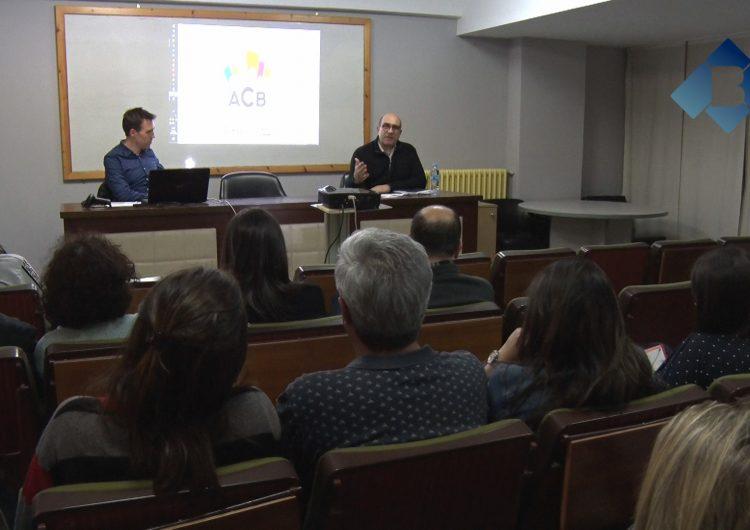 L'Associació de Comerciants de Balaguer presenta les targetes de fidelització als associats