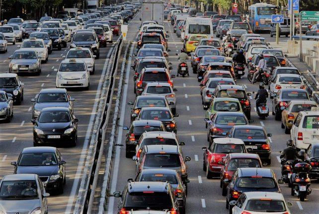 Trànsit fa una crida a la prudència als conductors en els desplaçaments del pont de Tots Sants davant la previsió d'una mobilitat molt elevada