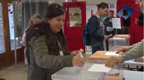 La participació a les eleccions del 28-A a Catalunya és del 43,5% fins a les dues, onze punts més que el 2016