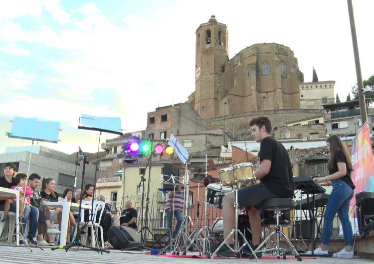Comença la tercera edició del cicle de concerts a la fresca 'Música i Tapes'