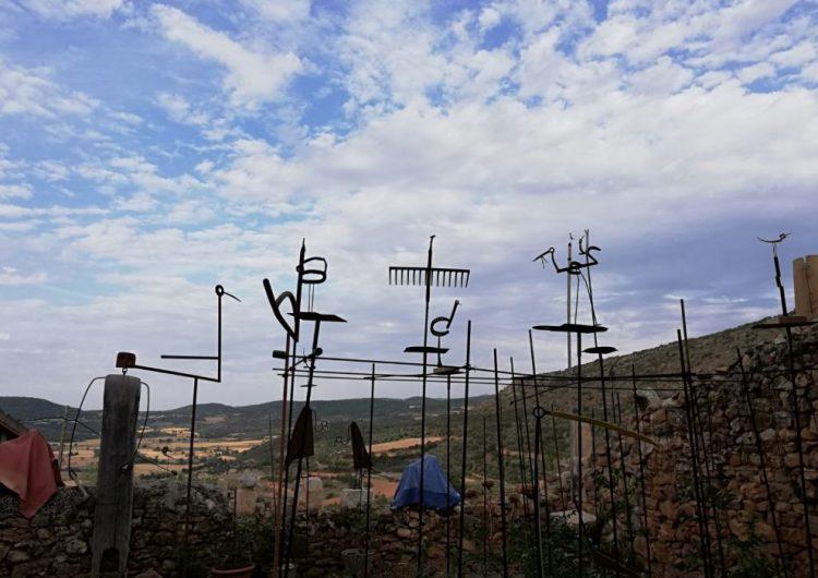Cinc artistes exposen en un hort de Santa Linya