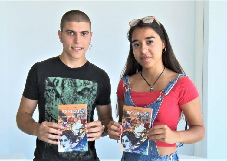 Un jove escriptor d'Artesa publica el seu primer llibre 'Biografía de un poeta perdido'