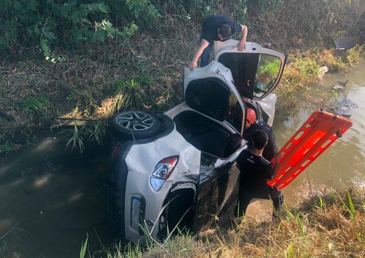 Crític després de caure amb el cotxe en un canal a Vallfogona de Balaguer