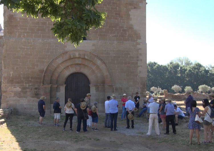 Els participants de la 24a Càtedra d'Estudis Medievals visiten el patrimoni de la comarca