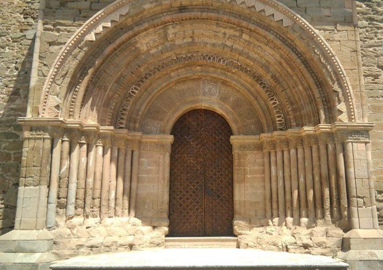 Finalitzen les obres de restauració del pòrtic de l'església de Santa Maria del Castell de Cubells