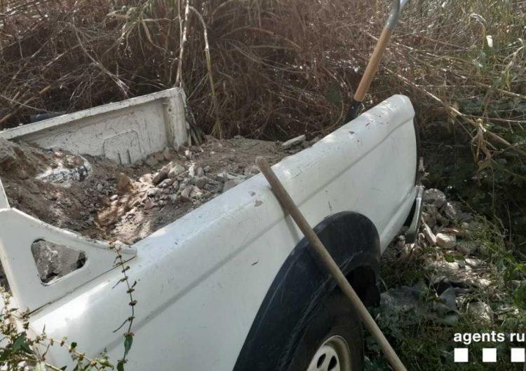 Els Agents Rurals denuncien una persona per abocar runes en un terreny forestal de Balaguer